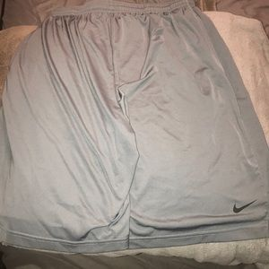 Nike dri fit men's shorts size XL